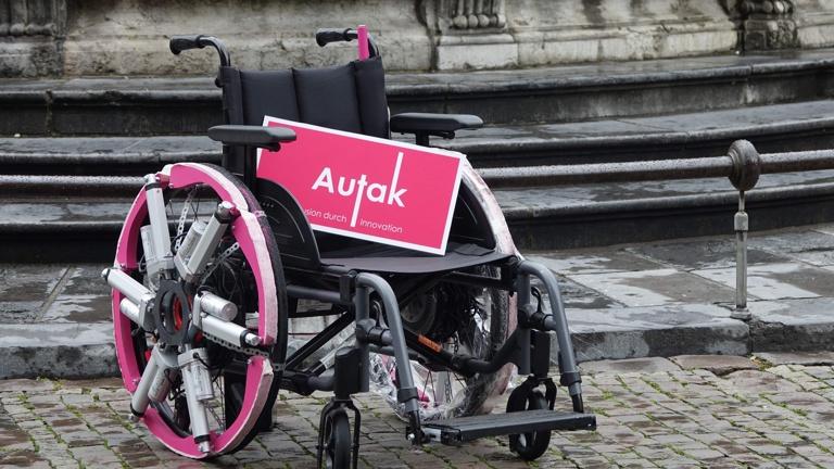 Treppensteigender Rollstuhl aus Aachen
