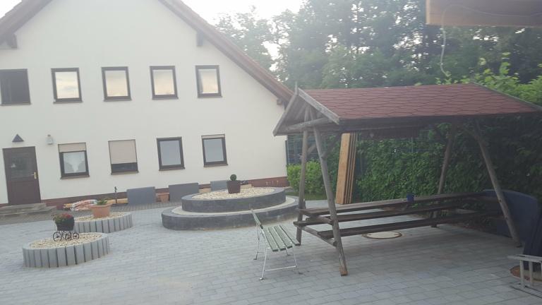 Versorgungs- und Kommunikations-Terrasse