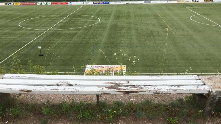 Nägelebergstadion Stadionbänke