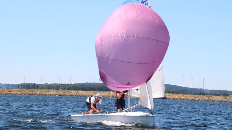 Jugend-Regattaboote und -ausrüstung